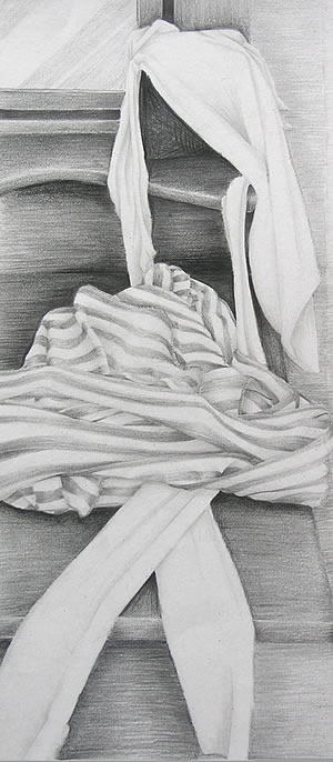 observational drawing of cloth using graphite